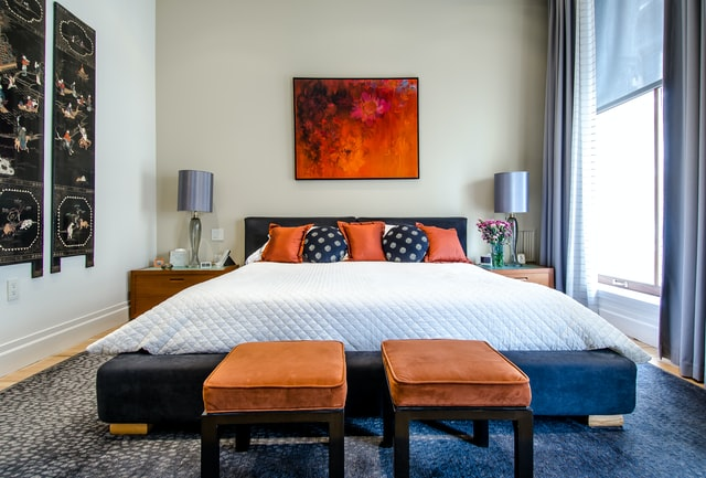 What are the best bedroom color options for a bedroom?