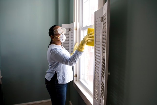 Factors to consider when choosing a window cleaning company
