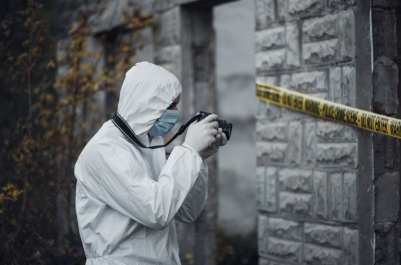 Call Crime Scene Cleaning Services to Clean Blood Off the Tiles
