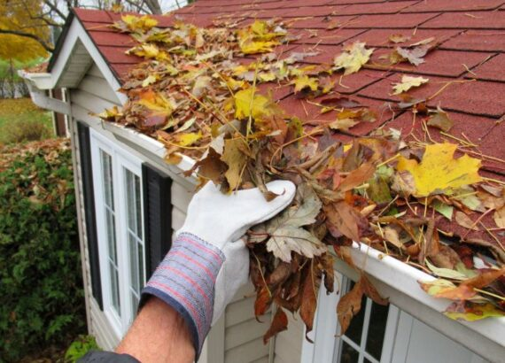 Cleaning-you- gutters